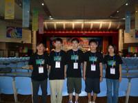 左一馬凱雄老師、右起吳彥琪同學及陳柏熙同學同時代表香港出席本年度在山東舉行的NOI 2010電腦編程比賽