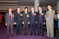 10 Chairman_and_guests.jpg